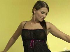 Strip Show Suzan Moor