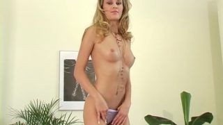 Strip Tease xxx Hot Czech Blonde Babe Radka Varna Pulls Down Panties
