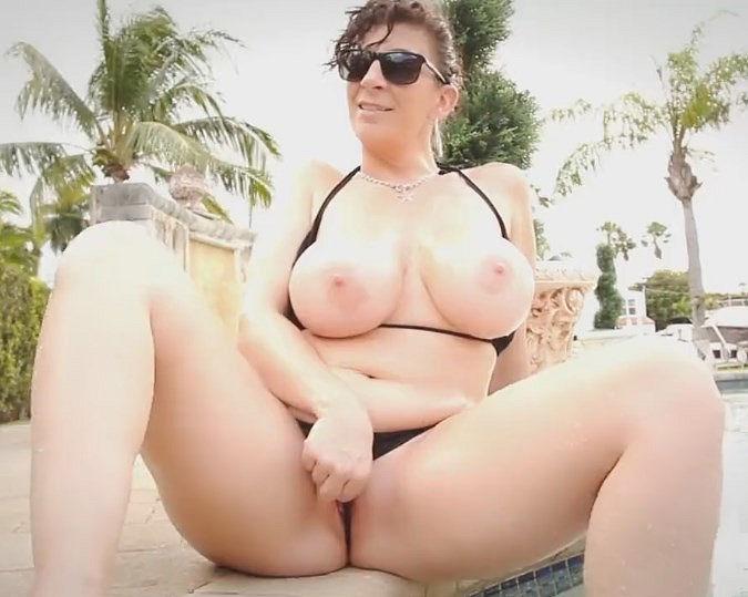 Sara Jay Nude Pic