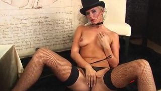 Streaptease xxx Watch Blonde Solo Girl Kalina Teasing Burlesque Style