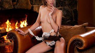 Sexy Striptease Watch Beautiful Naughty Girl Stefanie Joy Play Nude