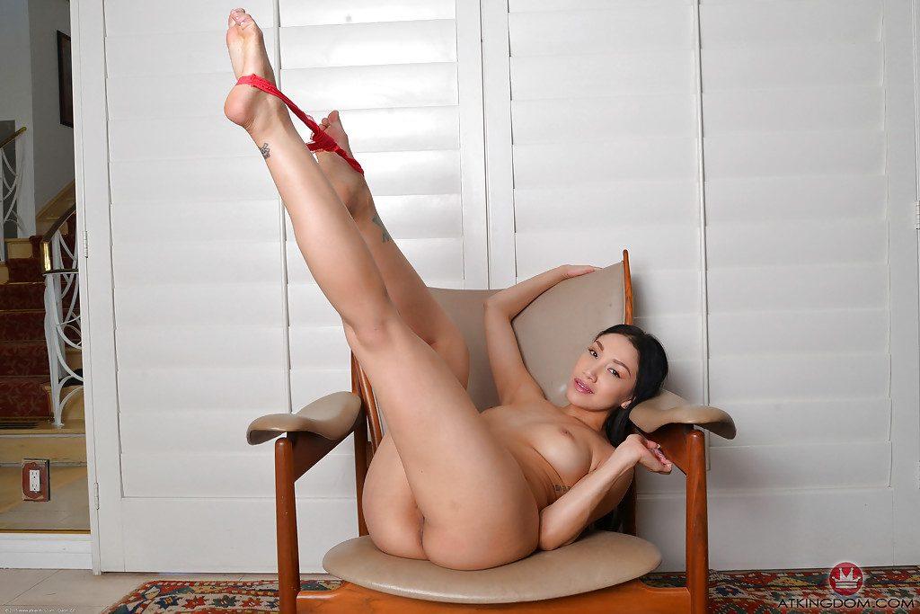 Brizallian chicas nude