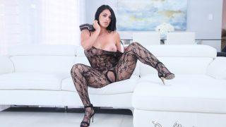 Streaptease Porn Watch Latina Bombshell Cristal Caraballo Fingering Her Twat