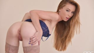 Striptease Nude Watch Seductive Girl Capri Anderson Petting Her Pussy