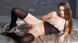 Streaptease xxx Watch Busty Solo Babe Paloma Pleasures Her Wet Cunt