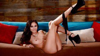 Sexy Striptease Watch Brunette Leggy Babe Ariana Marie Fingering Twat