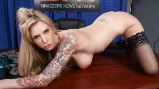 Striptease Babes Watch Tattooed Milf Brooke Banner In Lingerie Teasing Twat