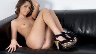 Nude Striptease Watch Stunning Teen Inna Blossom Fingering Snatch