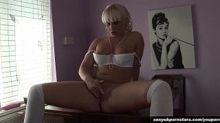 Strip Tease xxx Watch British Milf Loz Lorrimar Fingers Shaved Twat
