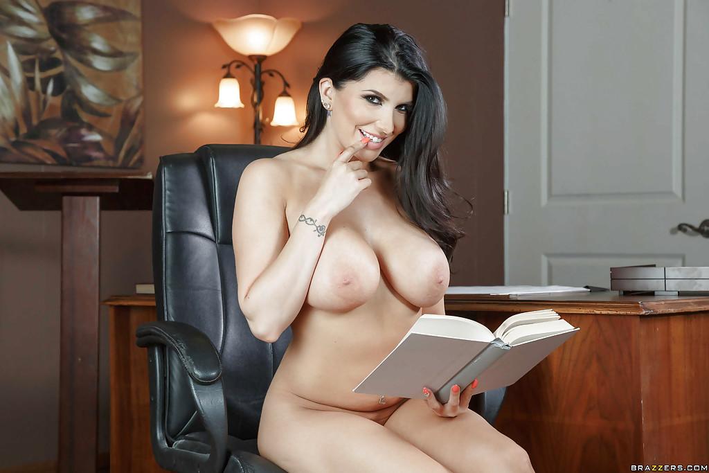 Latina Brunette Big Tits