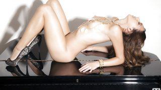 Striptease Girls Watch Sweet Playboy Model Cristal Cray Posing Nude