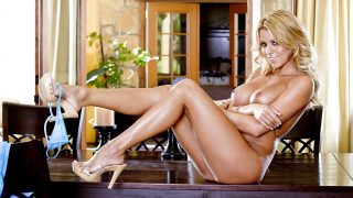 Striptease Nude Watch Graceful Blonde Nicole Graves Expose Pink Twat