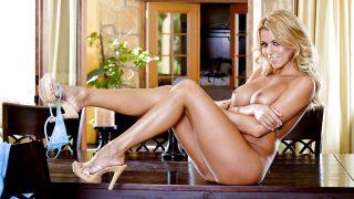Striptease Nude Watch Graceful Blonde Nicole Graves Expose Pink Twat