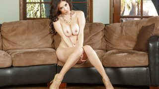 Full Striptease Top Pornstar Jelena Jensen Rub Her Horny Twat