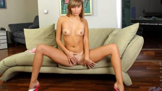 Fabulous Teen Babe Jessica Lux Sexy Striptease And Fingering