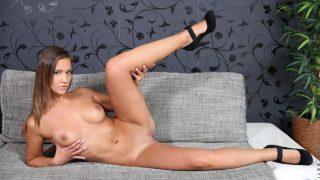 Sexy Nude Striptease Watch Long Legged Naomi Bennet