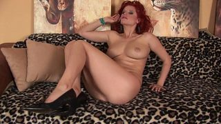 Hot Babe Strip Tease Watch Busty Redhead Suzanne Wenera