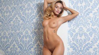 Slender Playboy Babe Cara Mell Video Hd Striptease
