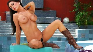 Naughty Nude Striptease Watch Stunning Busty MILF Jessica Jaymes