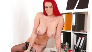 Sexy Striptease Hot Watch Tattooed Redhead Babe Paige Delight