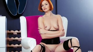 Sexy Strip Redhead Watch Glamour Centerfold Kami