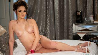 Glamorous Big Tit Brunette Sexy Girl Strip Watch Athena Faris