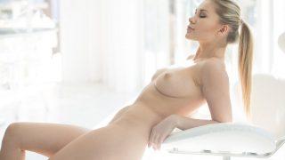 Teenage Beautiful Blonde Nude Strip Tease XXX Watch Candice Brielle