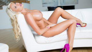 Blonde Bombshell Milf Supermodel Striptease Watch Summer Brielle