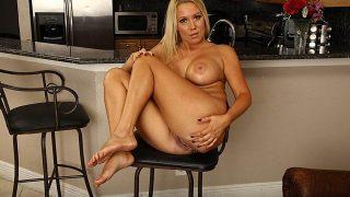 Big Tits Hot Blonde Nude Milf Hottest Strip Tease Watch Tara Star