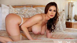 Marvelous Busty Cougar Bikini Strip Outdoor Watch Kendra Lust