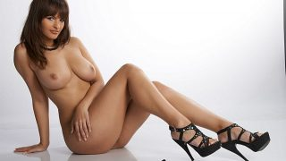 Young Busty Nude Brunette Model Sexy Strip Watch Rita Argiles